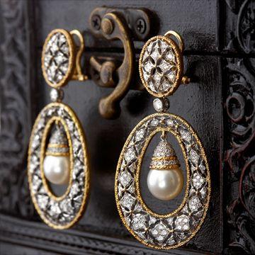 Gorgeous Buccellati pearl and diamond earrings! <3