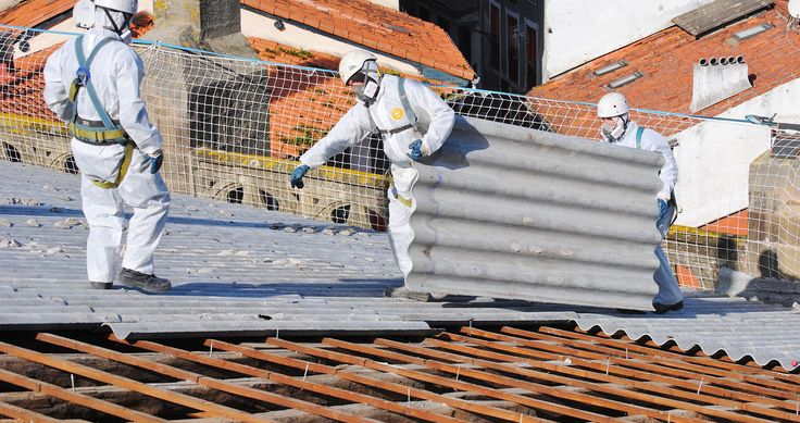 Supervise at the time of providing asbestos removal service