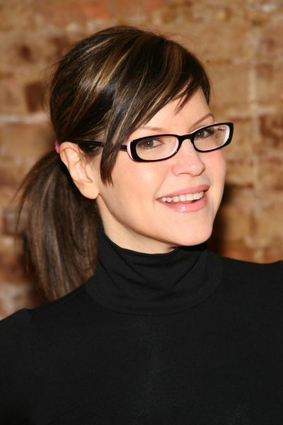 It's a Lisa Loeb day.