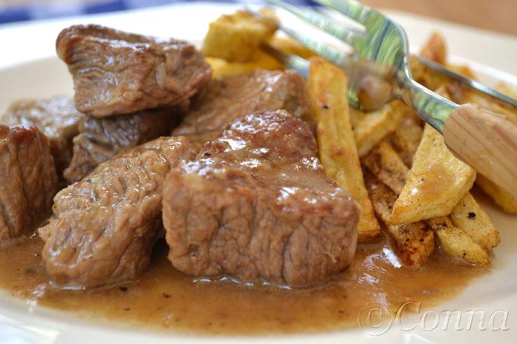 Sabor: Μοσχαράκι με λευκή σάλτσα / Beef in white sauce