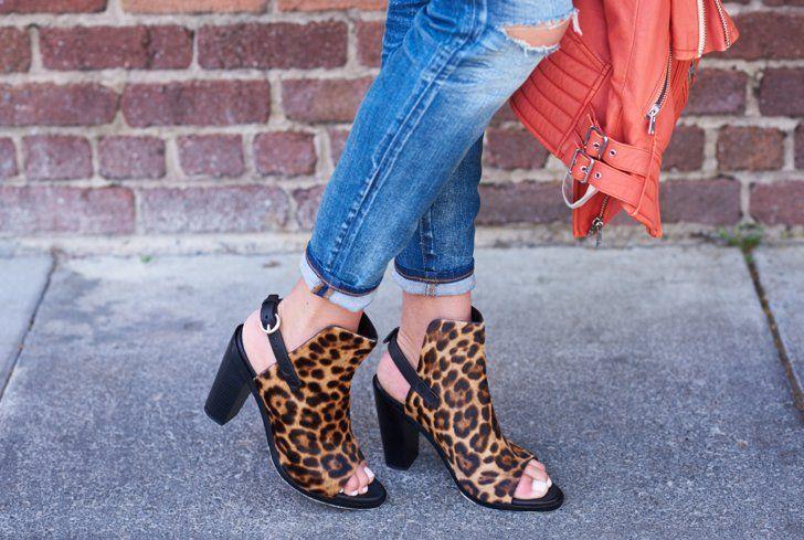 Pin for Later: 12 Verwendungsmöglichkeiten von Backpulver als Beauty-Produkt Fußbad Ein Fußbad mit Backpulver kann Hornhaut aufweichen und eure Füße beruhigen.