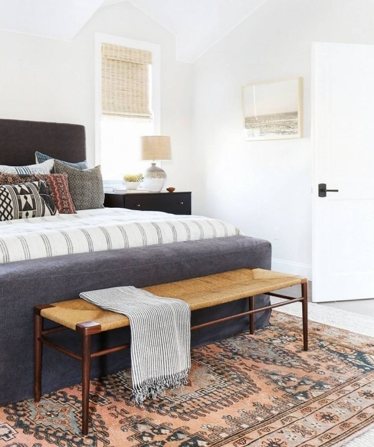 We're coining this bedroom 'Southwestern Minimalist' because the Southwestern vibe are just too cool! | Color: @dunnedwards | Source: @mydomaine | Photography: @tessaneustadt | Interior Design: @amberinteriors