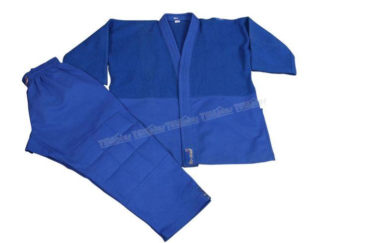 Do-Smai Profesyonel Mavi Judo Elbisesi - Özel dokuma, 700 gr/m² pamuklu mavi kumaştan üst giysi, pantolon ve eteklerde (±%3) 370 gr/m² %100 mavi pamuklu gabardin kumaş kullanılmıştır.  Diz ve dirsekler takviyelidir   150-190 arası 10 ar cm. arayla 5 beden. - Price : TL229.00. Buy now at http://www.teleplus.com.tr/index.php/do-smai-profesyonel-mavi-judo-elbisesi.html