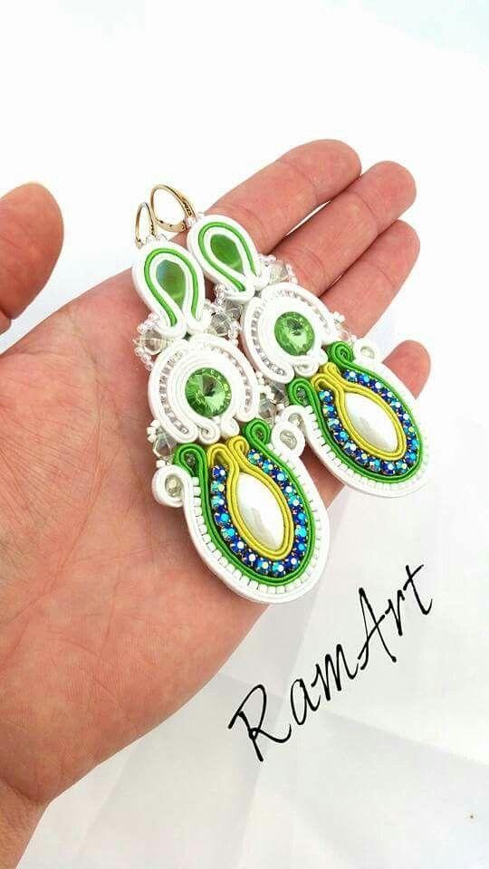 Kolczyki ślubne sutasz. #ramart #kolczyki #earrings #handmade #slubne #wedding #soutache #sutasz #niezchinzpasji #rękodzieło #green #zielone