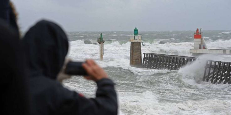 Tempête Marcel : le Sud-Ouest en alerte, des rafales jusqu'à 141 km/h -  à Capbreton dans les Landes, la tempête rend la mer encore plus agitée qu'à l'accoutumée | Sud Ouest