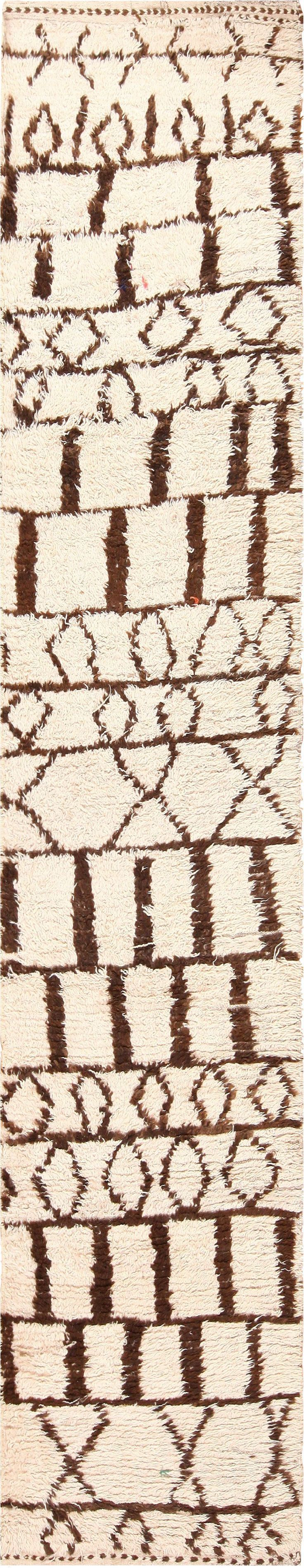 view this truly beautiful beni ourain vintage moroccan runner rug from nazmiyal antique rugs in new