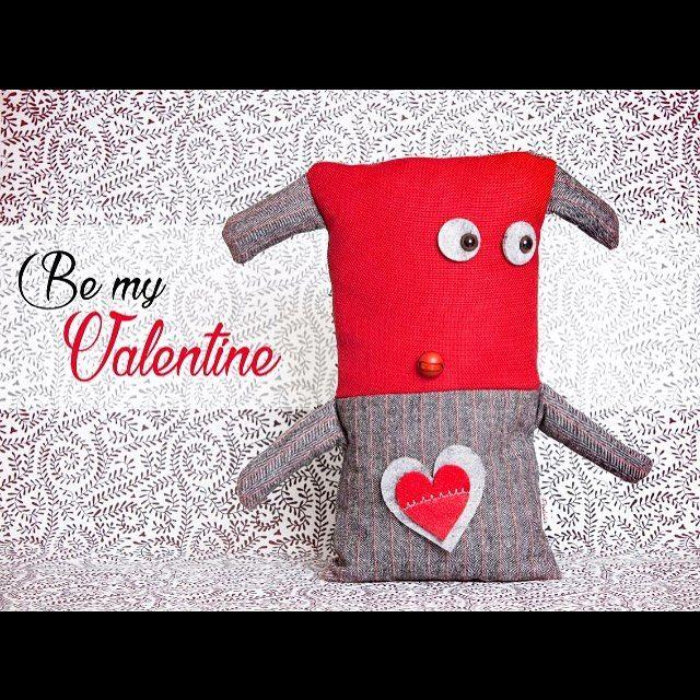 Mancano solo 4 giorni alla festa degli innamorati e sono gli ultimi per ordinare Valentino, il pupazzo solo per cuori teneri! Info: pupazzipodobis@gmail.com #podobis #pupazzipodobis #sanvalentino #regalisanvalentino #love #cuore #red #amore #instalove #instalovers #instamamme #cute #heart #valentino #innamorati #shoponline #giftideas #idearegalo #rosso #rossovalentino #amore
