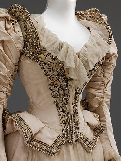 1890. Credit: Richard Davis/V&A Embroidered corded silk wedding dress made after a Paquin, Lalanne et Cie Paris model by Stern Brothers, New York,...