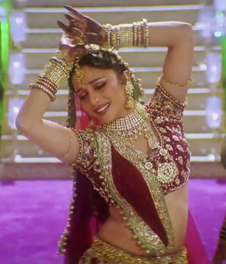Madhuri Dixit - Devdas Dance pose