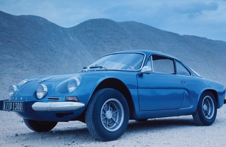 Alpine A110 Renault Berlinette; their character is comes through the chassis. Front has the Berlinetta independent suspension, rear is a typical pendulum axis of the era. No longer quite modern rear axle is replaced by Einzelradauf wishbones. High-precision steering, allows aggressive cornering, due to negative camber on the rear axle and weight distribution it handles corner acceleration. In addition, four standard disc brakes, keeps the anger under control.