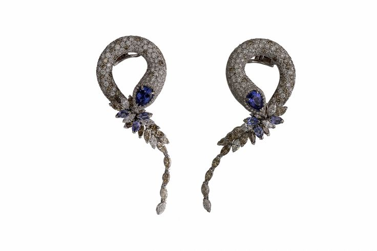 Earrings in white gold 18 kt with 15,57 ct white and brown diamonds and 5,87 ct tanzanites