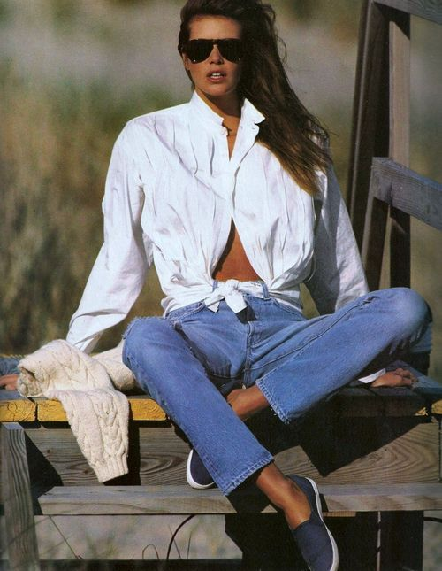 """White Shirt Charm!"", Elle US, August 1986  Photographer : Gilles Bensimon  Model : Elle MacPherson"