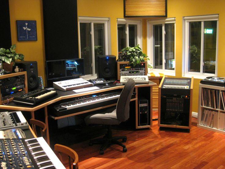custom kk audio desk everything fits so well together space for the knees music studio. Black Bedroom Furniture Sets. Home Design Ideas