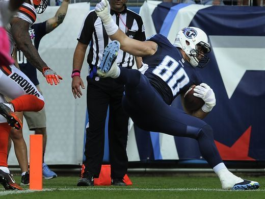 Browns vs. Titans:      October 16, 2016  -  28-26, Titans  -       Titans tight end Anthony Fasano (80) flies into the end zone for a touchdown past the Browns defense during the fourth quarter at Nissan Stadium Sunday, Oct. 16, 2016, in Nashville, Tenn.  George Walker IV / The Tennessean