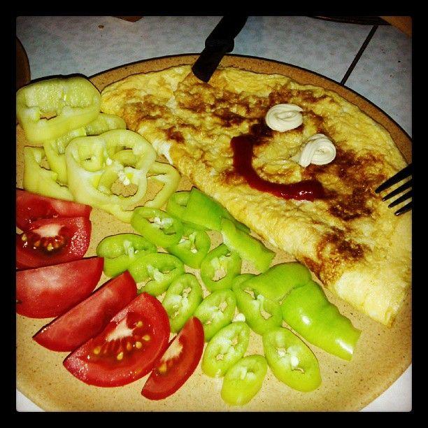 Dinner-time :P #dinner #eat #tomato #omelette