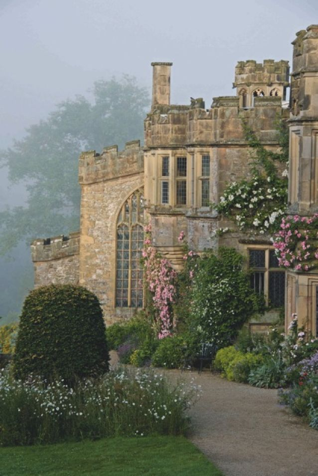 Haddon Hall Photo: William Collinson Tuesday 14th, Wednesday 15th, Thursday 16th June 2016 This year our three-day design course 'Creating Gardens with a Sense of Place' will be based at Haddon Hall in Derbyshire. The course aims to inspire the participants to take time to absorb the spirit of a place and consider how that spirit can be cherished and expressed in the design of the garden.