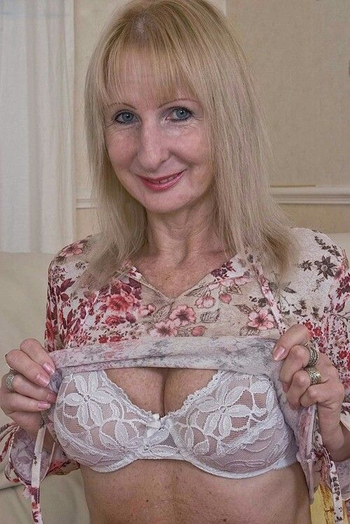 Gold Mature Gallery 55