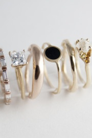 I love the simplicity and elegance of all these rings..I think I need to take a trip to the Chicago Boutique