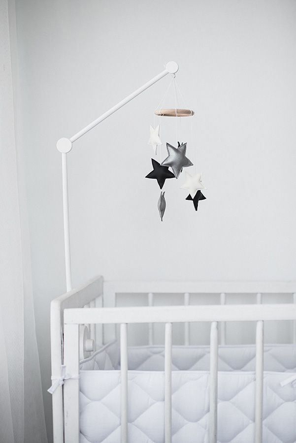 Black And White Small Star Nursery Mobile Baby Crib