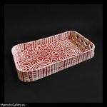 Ceramic tray in shape of rectangle with rounded corners. Ceramiczna taca w kształcie prostokąta z zaokrąglonymi rogami.