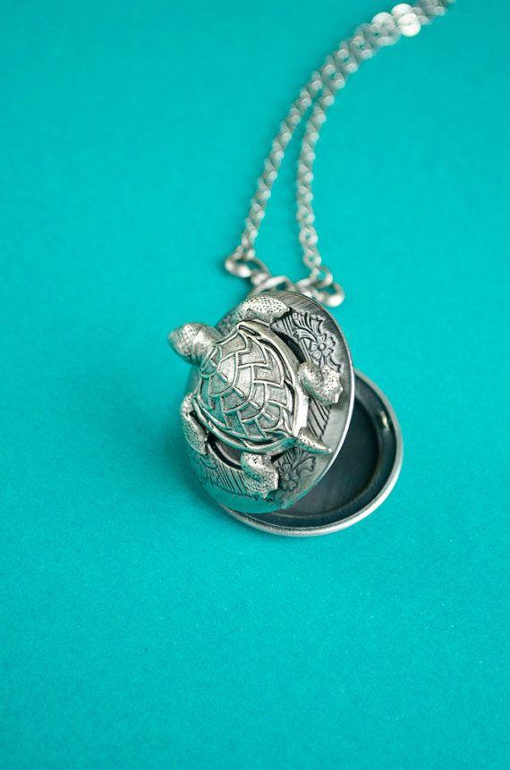 Turtle Locket Turtle Necklace Vintage Locket by SkeltonsTreasures