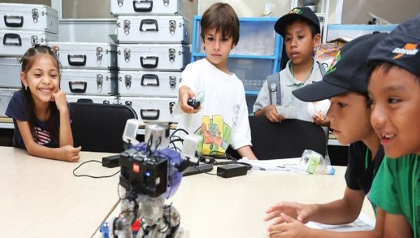 Ecuador abre la primera universidad para niños científicos