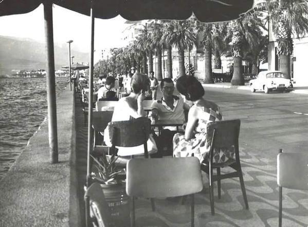 1960'larda İzmir Kordonboyu'nda hoşbeş vakti...