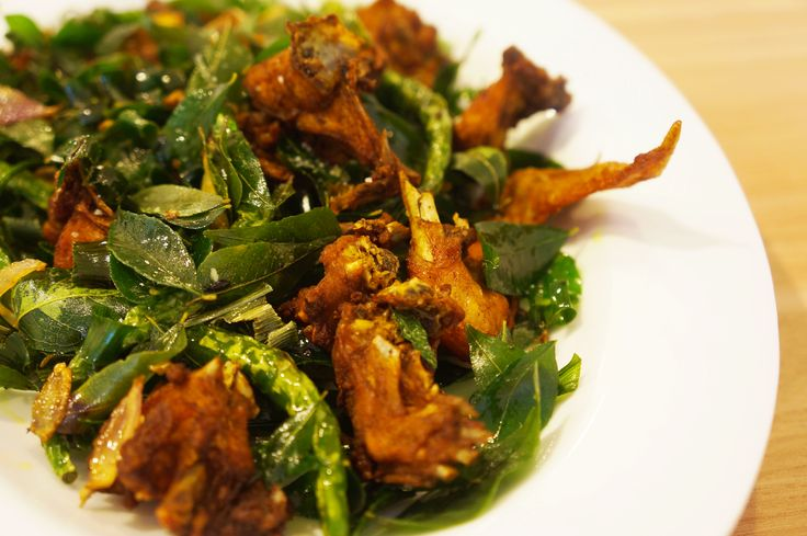 THE SIGNATURE DISH: AYAM TANGKAP!