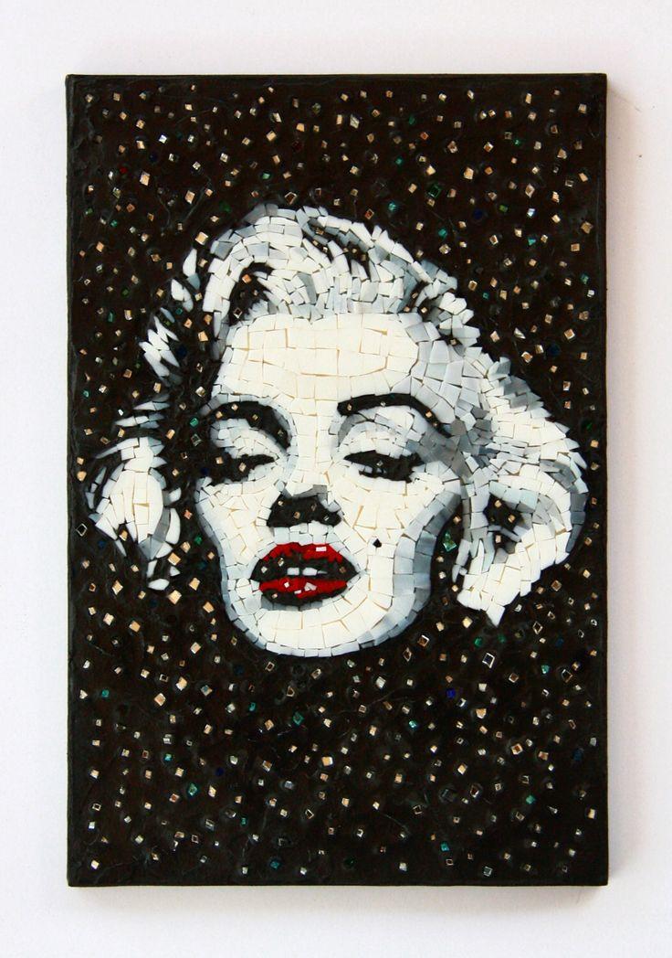 Un preferito personale dal mio negozio Etsy https://www.etsy.com/it/listing/468356314/marilyn-monroe-bianco-e-nero-ritratto