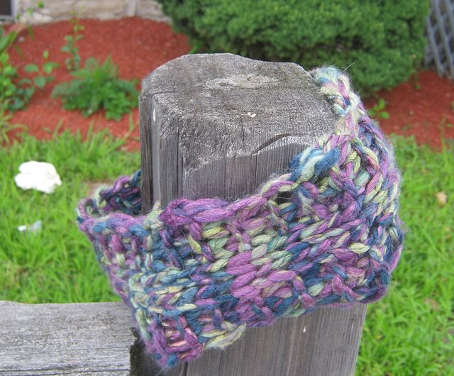 easy free knit cowl (handspun or bulky yarn) fiber frenzy - knit & croc...