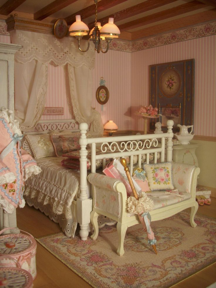 miniaturas shabby bedroom shabby and doll houses. Black Bedroom Furniture Sets. Home Design Ideas