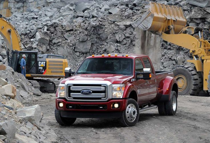 Towing Leader: 2015 Ford F-450 Super Duty rated at 31,200 lbs using J2807 standard  http://www.4wheelsnews.com/towing-leader-2015-ford-f-450-super-duty-rated-at-31200-lbs-using-j2807-sta/  #ford #f450 #superduty #automotive