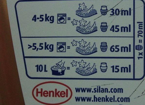 Dozare simpla cu ajutorul capacului sticlei Silan. Nu e necesara diluarea balsamului Silan Soft&Oils inainte de utilizare. Foloseste in cazul spalarii automate: - 30 ml pentru haine moi; - 45 ml pentru haine foarte moi. In cazul spalarii manuale 15 ml pentru haine moi. #buzzsilan #buzzstore.