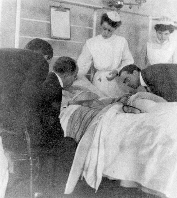 Osler Library of the History of Medicine, McGill University Dr. William Osler (second from left) at the Johns Hopkins Hospital, Baltimore, where, in the 1890s, he created the first residency program for training physicians after medical school