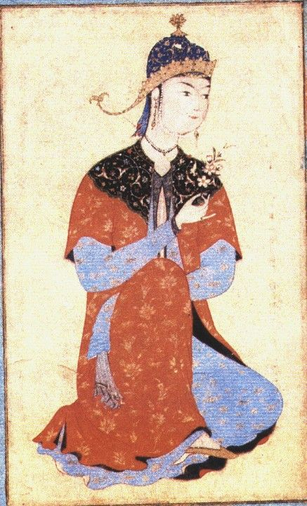 Another cloud collar  Seated princess. She has a cloud collar on her outer coat, overhung sleeves, and several visible layers. She wears a blue veil beneath her crown. Also here: http://www.spongobongo.com/EKOM57.htm with better references.