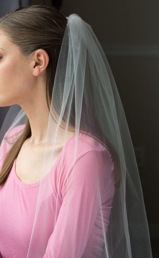 Super easy DIY Bridal Veil // By Brittany Goldwyn