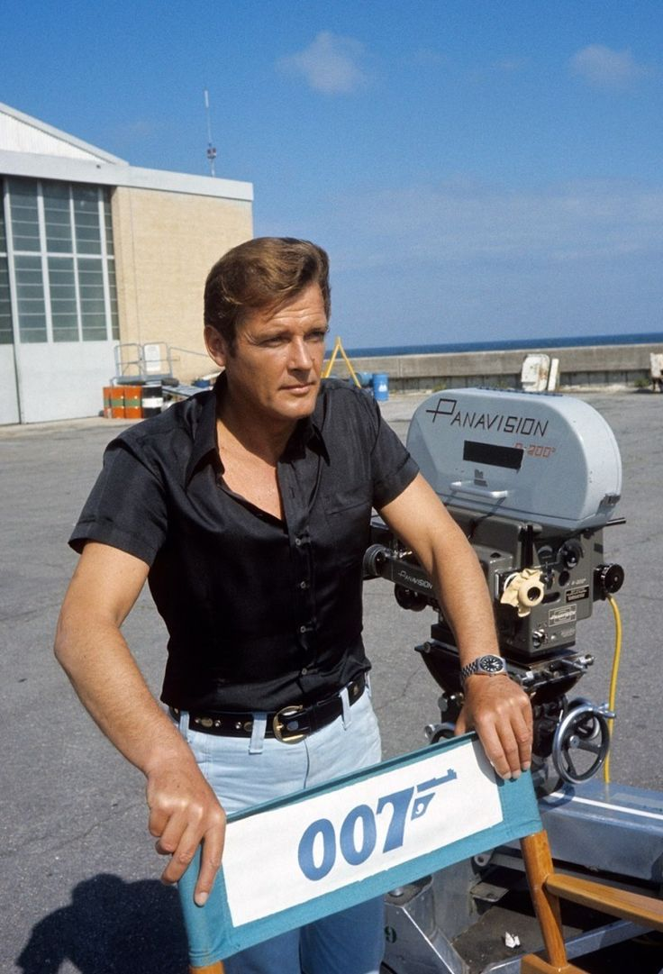 17 best images about behind the scenes dangerous roger moore behind the scenes from live and let die
