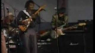 Albert Collins: I Ain't Drunk - YouTube