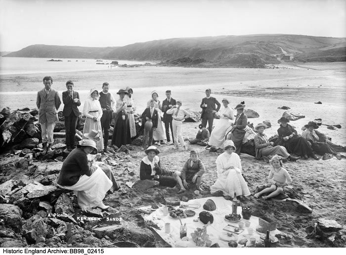 BB98/02415  A PICNIC ON KENNACK SANDS, Cornwall .  Please click the image for more information or to search our catalogue for other images.