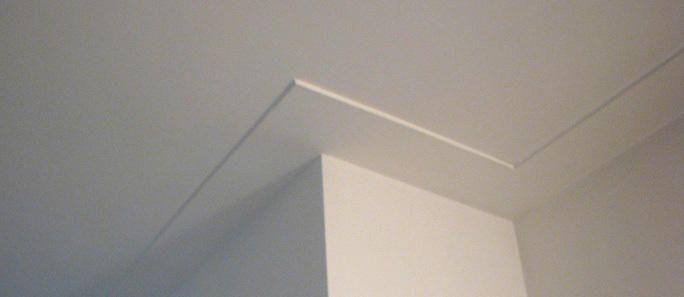 Glad stucen van de wanden op boven en beneden verdieping ca. 160 m2 Plafonds…