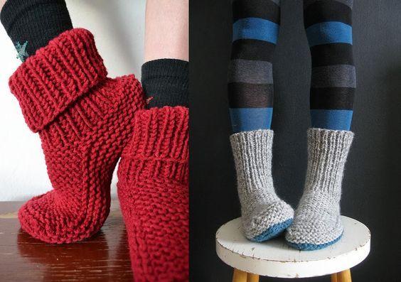 AU CHAUD LES PIEDS !   C'est le moment de s'y mettre et de tricoter des chaussons bien chauds pour l'hiver qui arrive...Ce modèle est trava...