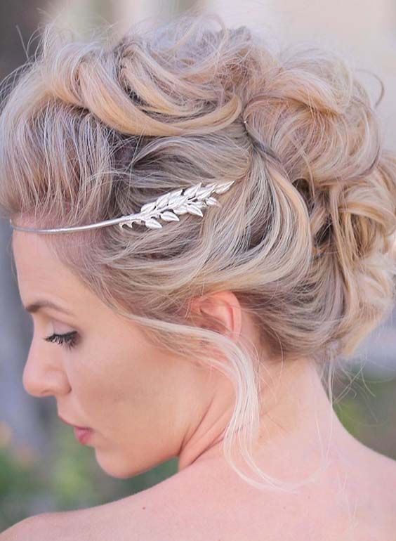 f24e246f909d8 36 Classy Bridal Faux Hawk Hairstyles for Women 2018. See here the amazing  faux hawk hairstyle to opt for unique braids nowadays. Check out t…