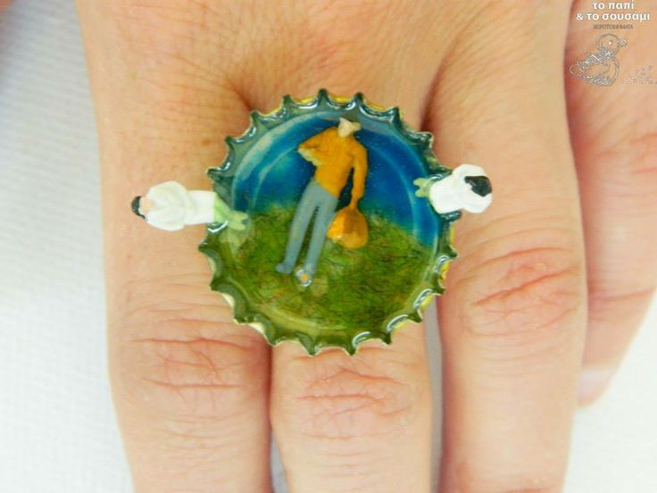 We saw him vanishing in the deep sea resin ring on a bottle cap https://www.facebook.com/pages/Handmade-jewels-%CE%A4%CE%BF-%CF%80%CE%B1%CF%80%CE%AF-%CE%BA%CE%B1%CE%B9-%CF%84%CE%BF-%CF%83%CE%BF%CF%85%CF%83%CE%AC%CE%BC%CE%B9-The-duck-and-the-sesame/140254489407435