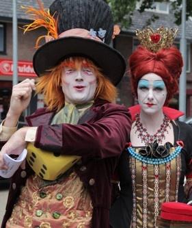 De Rode Koningin & De Hoedenmaker TeamMDG - Fotografie: Andras Fictoor van TeamMDG
