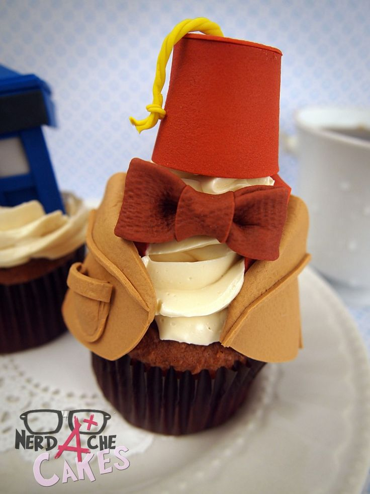 http://geekartgallery.blogspot.com/2012/11/sweets-doctor-who-cupcakes.html Doctor cupcakes ^_^