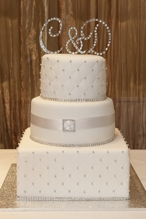 bling wedding cakes uk 17 best ideas about bling wedding cakes on 11936
