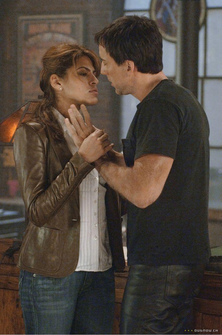 Eva Mendes y Nicolas Cage en Ghost Rider