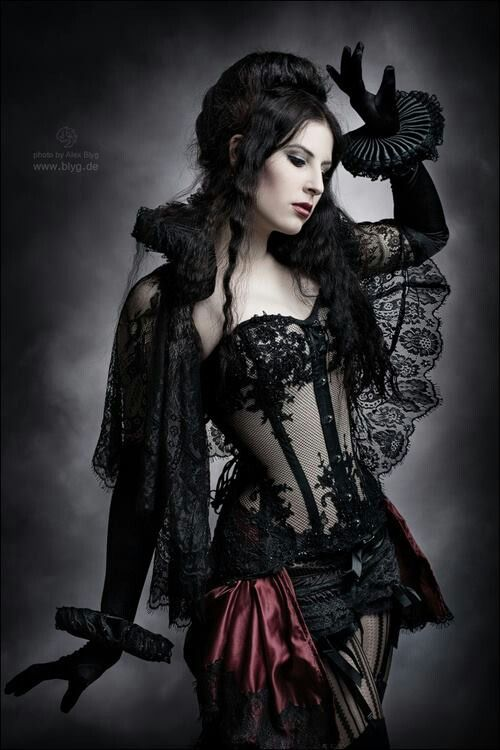 Sex Woman In Gothic Lingerie 5