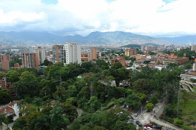 Medellín, Colombia 2010 by juanlopeza, via Flickr