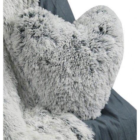 les 25 meilleures id es de la cat gorie coussin fourrure. Black Bedroom Furniture Sets. Home Design Ideas